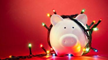 December is een dure maand. Hoe houd je de feestdagen financiele gezien leuk? Deze praktische tips zorgen ervoor dat u grip houdt op uw uitgaven.